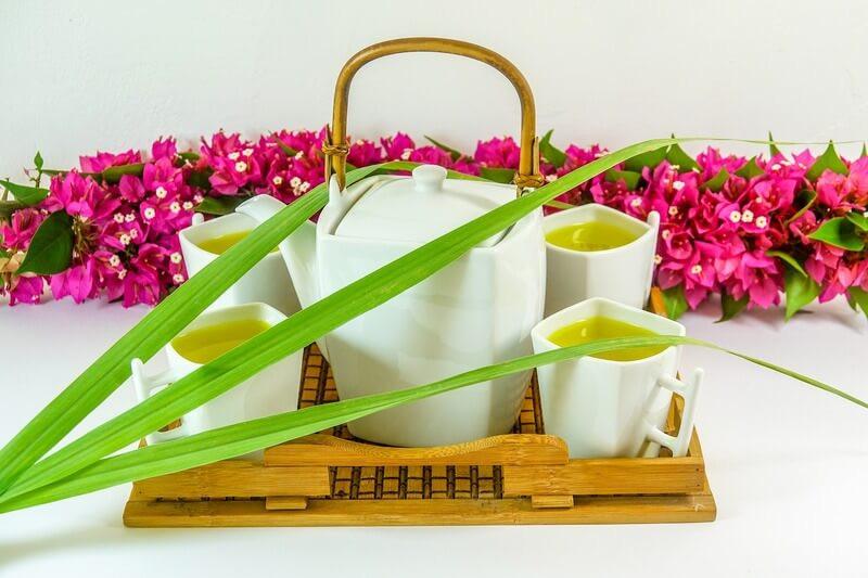 Зеленый чай с цветами