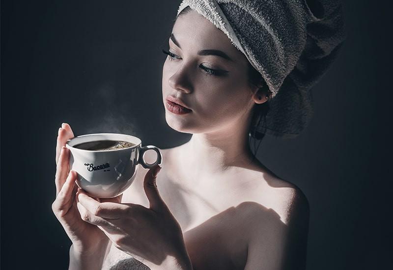 Девушка кружка чая