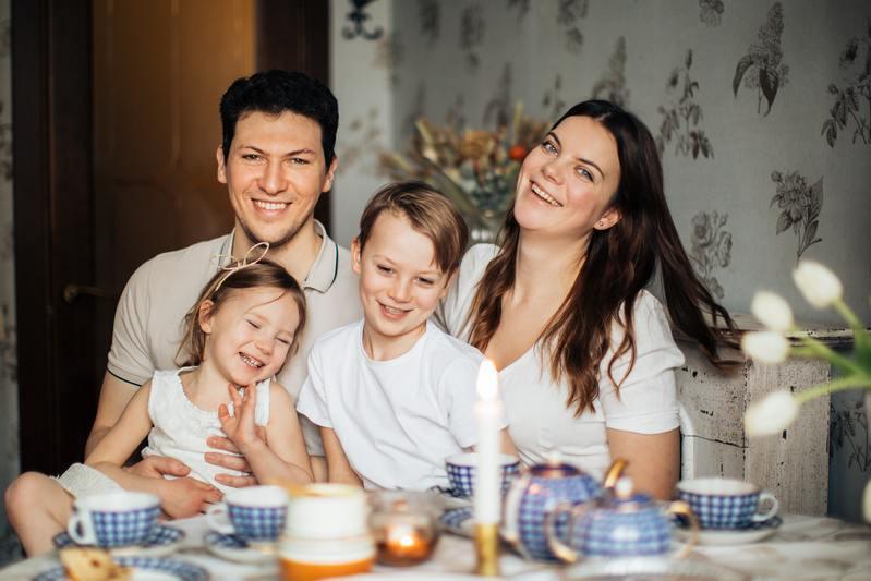 Семья чаепитие