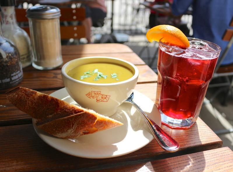 Завтрак с чаем каркаде