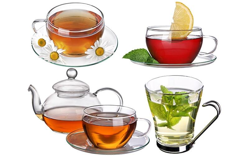 Посуда с травяным чаем