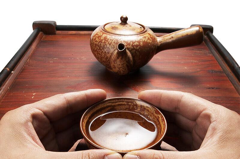 Пиала китайский чайник стол