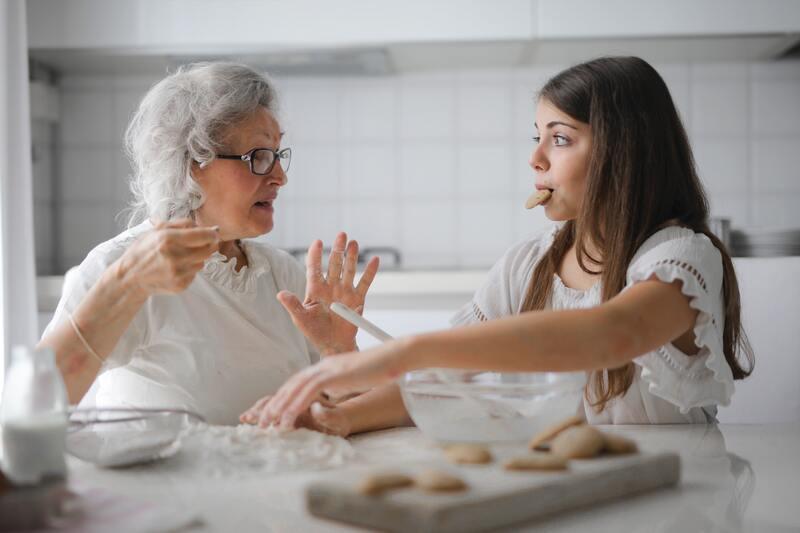 Беседа бабушки и внучки