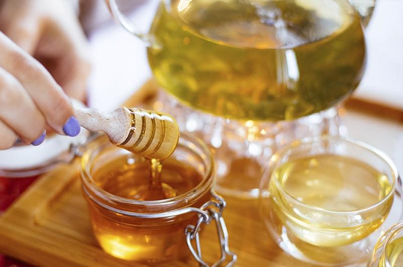 Стеклянная чайная посуда мед