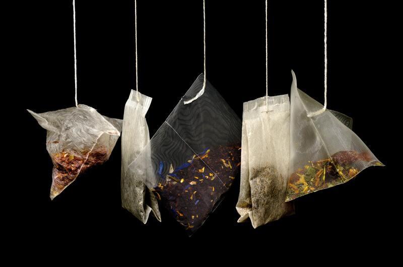 Чайные пакетики на крючках