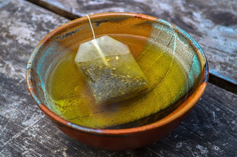 Пакетированный чай в цветной чашке