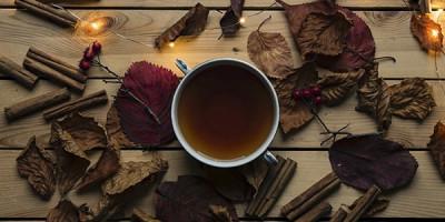 Чай  с корицей гирлянды