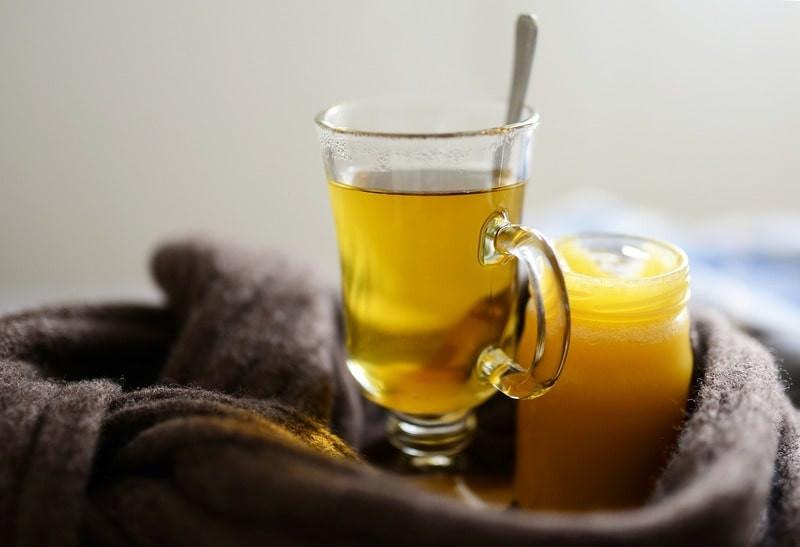 Чай с медом на полотенце