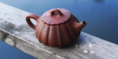 Чайник на поручне переправы