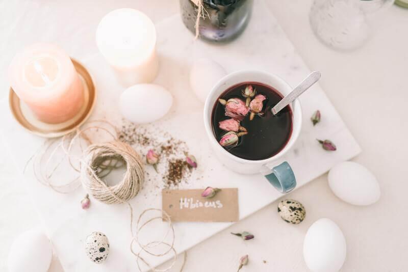 Чашка свеча цветки