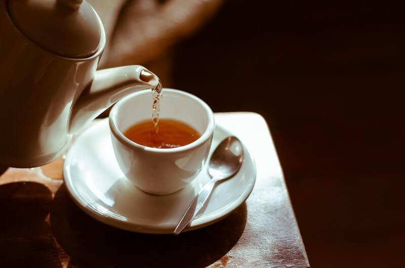 Чайник чашка тарелка ложка