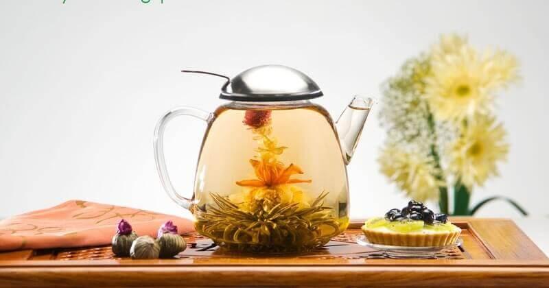 Графин с заваренным связанным чаем