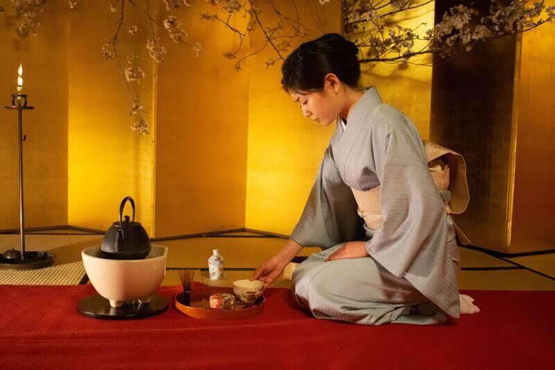 Женщина японская церемония