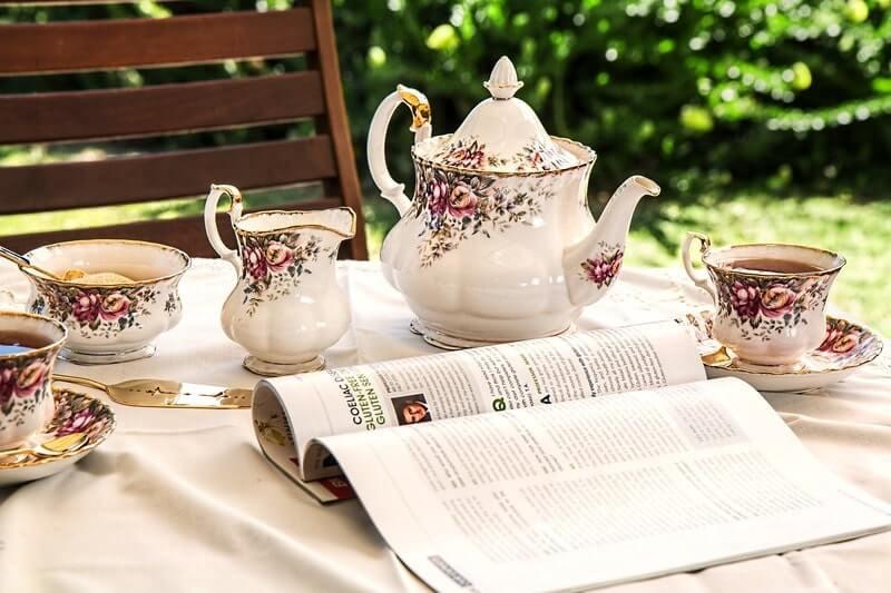 Чайный сервиз книга стол