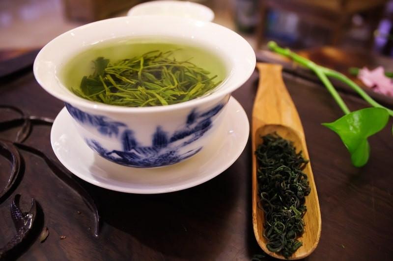 Пиала зеленого чая ложка для заварки