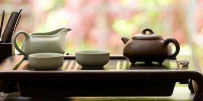 Китайский столик с чайной посудой
